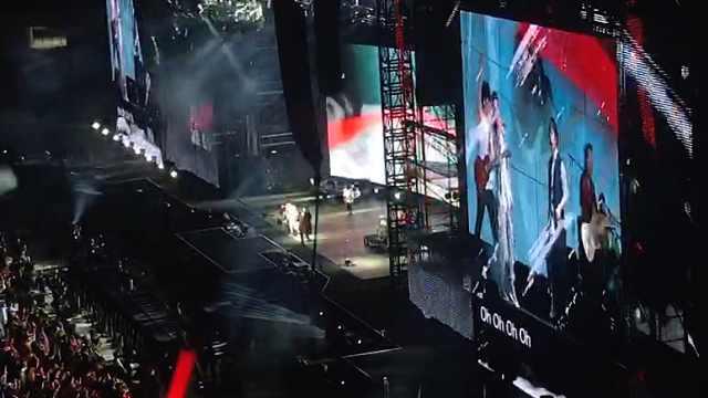 五月天演唱会上调侃萧敬腾:没下雨