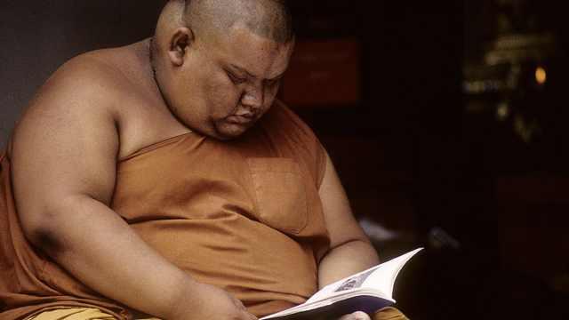 泰僧侣普遍超重,政府呼吁体育锻炼