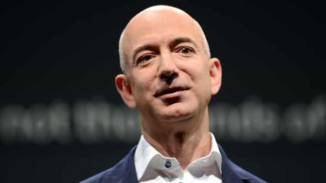 贝索斯会成为人类首个万亿富豪吗?
