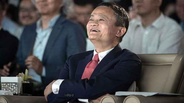 马云曾谈退休:不想死在办公室里
