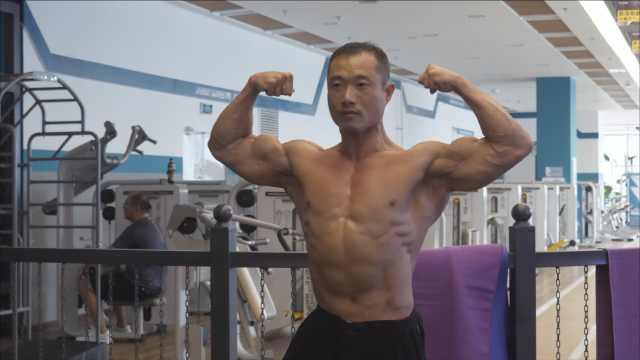 25岁患中度脂肪肝,他健身成肌肉男