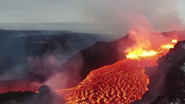 地球上充满危险的火山!