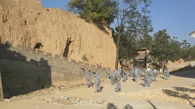 村里建红色旅游区,7旬翁义务做讲解