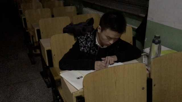他通宵备战考研,周睡24小时:扛得住