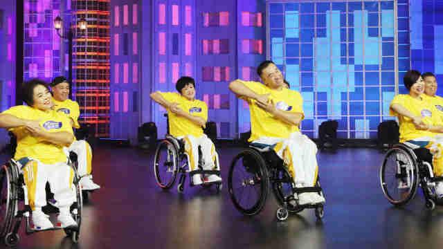 舞者演绎轮椅版倍儿爽,这舞100分
