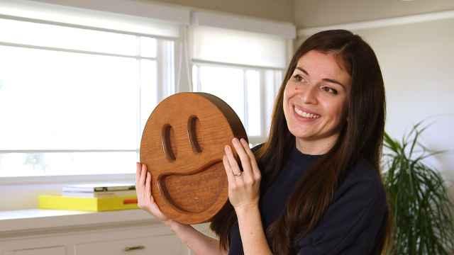 苹果表情包是这个女实习生设计的