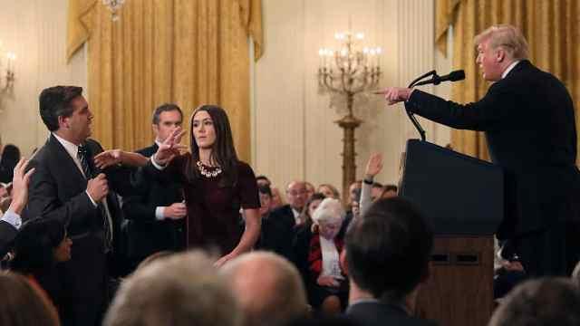川普怒斥CNN记者:你很粗鲁糟糕
