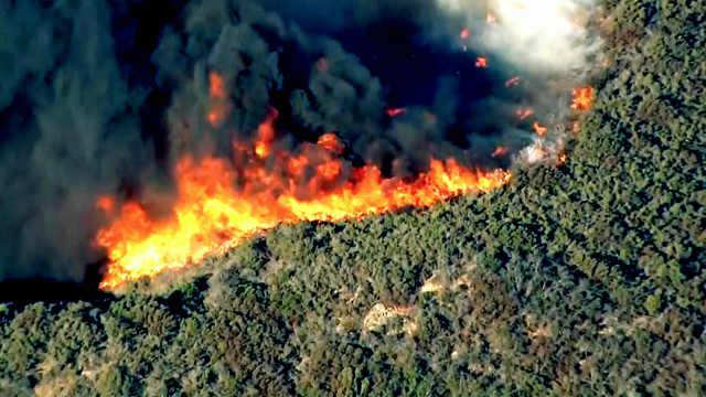 美国媒体震撼航拍带你看懂加州山火