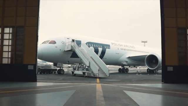 波兰客机故障,让乘客筹钱修飞机