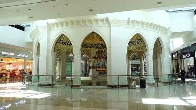 来到迪拜mall,看全世界最大的商场