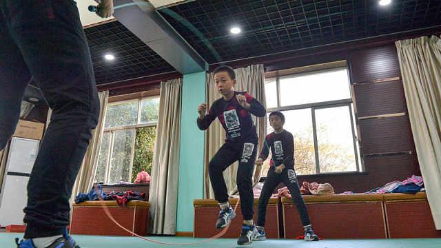 真厉害!小学生跳绳跳出了国际奖