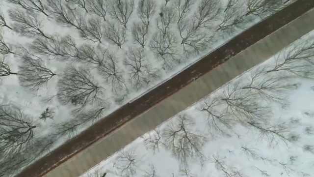 一秒穿越!嘉峪关降雪变戈壁水墨图