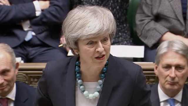 英首相宣布推迟