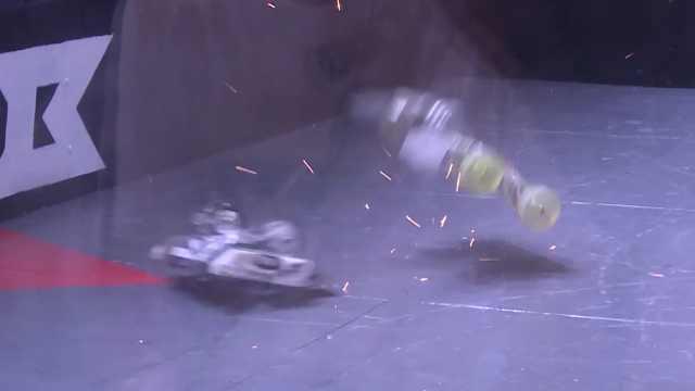 同类型铁甲对抗,除了残暴就剩毁灭