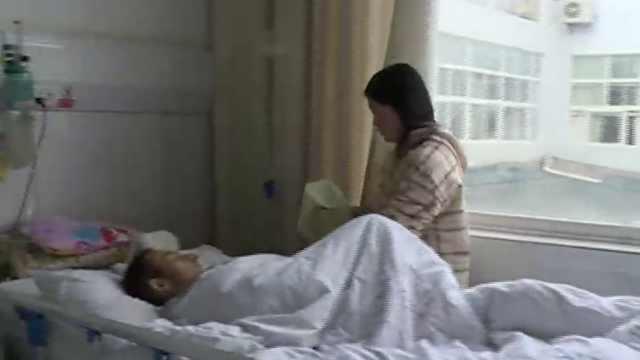 14岁女孩休学照顾病父,一人撑起家
