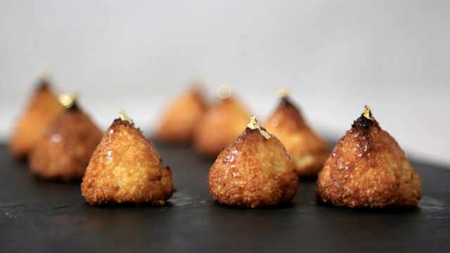 黄金椰蓉小点:单吃或装饰都很合适