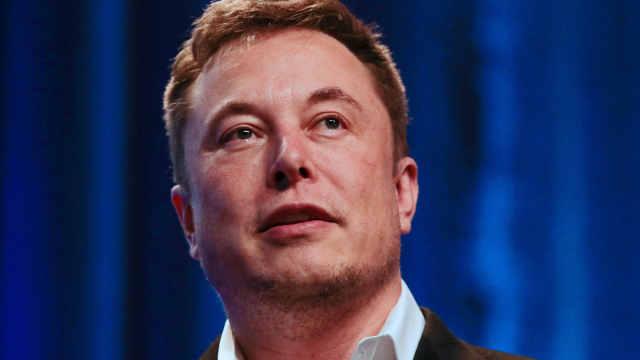 马斯克哽咽宣布SpaceX裁员10%