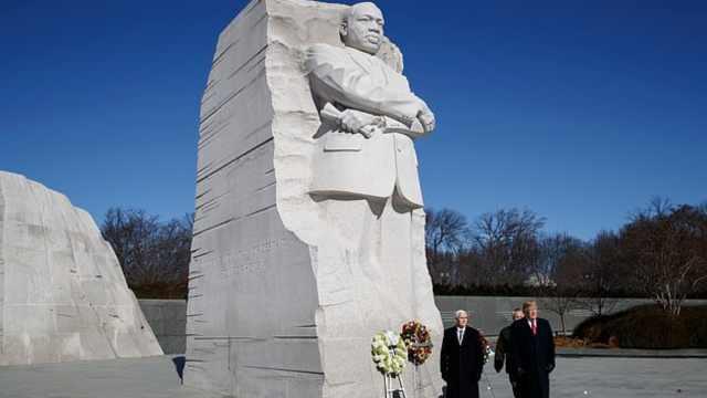 川普2分钟纪念马丁·路德·金,说4句