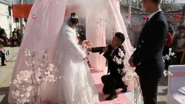 新郎婚礼表白,下一秒脱口而出:呸!