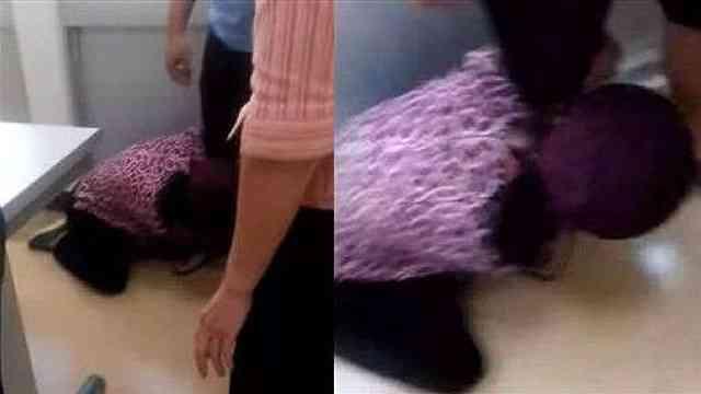 女子被撞重伤,妈妈下跪求老赖赔偿