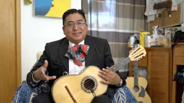 墨西哥歌手:中国大妈都好开心开朗