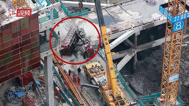 杭州城北一工程车侧翻,驾驶员身亡