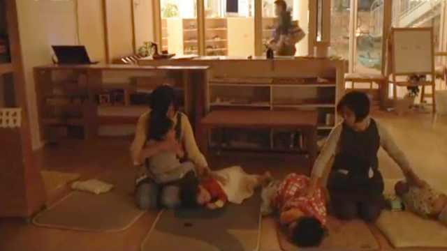 凌晨2点接小孩!探访日本深夜幼儿园
