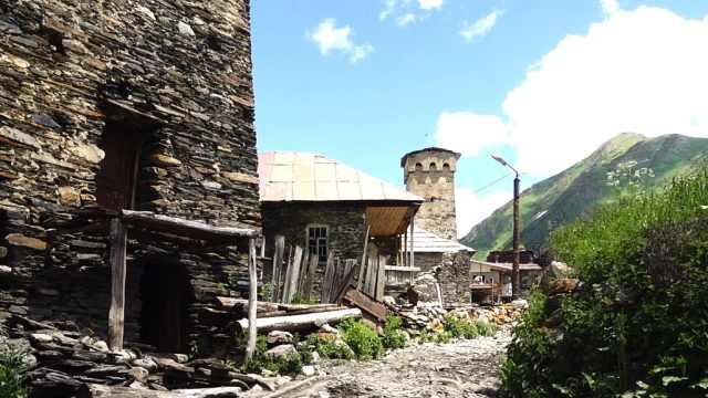 欧洲村庄竟只有两百多人,太美丽了