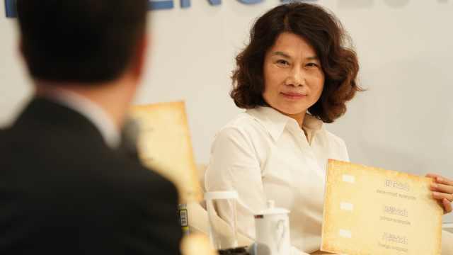 李稻葵赞董明珠是英雄主义企业家