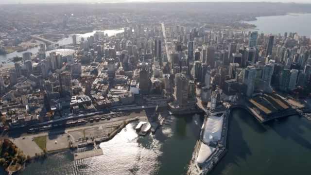 温哥华拟推出豪宅实名登记制度