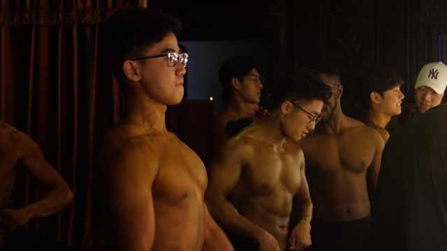 肌肉型学霸来袭!清华举办健美比赛