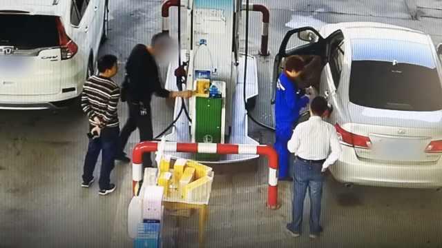 男子偷纸巾视频被3300万网友围观
