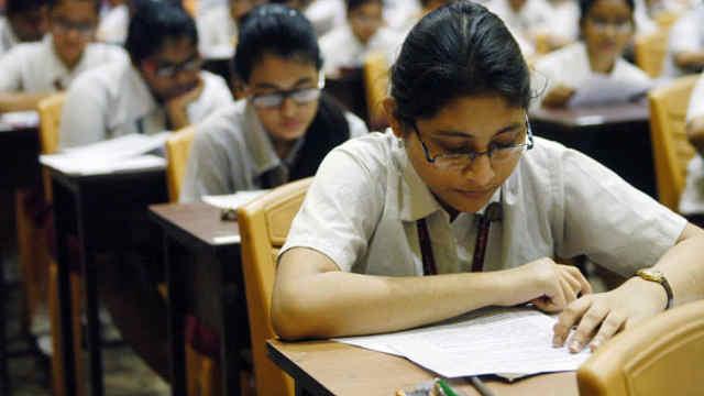系统故障致挂科,印度21名考生自杀