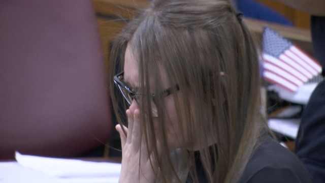 假扮贵族诈骗,俄女子被判4-12年