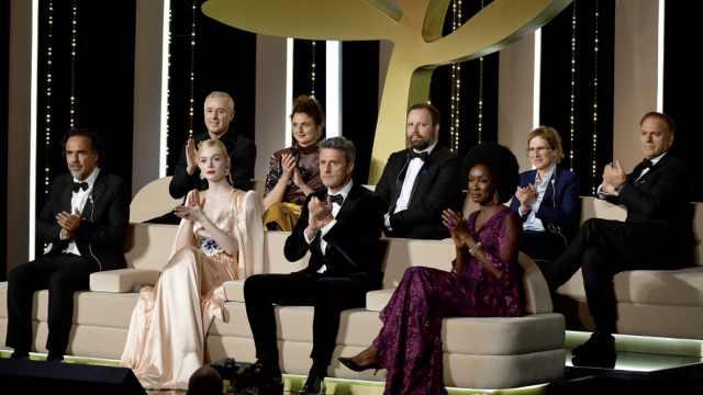 戛纳电影节评审亮相,最小评委98年