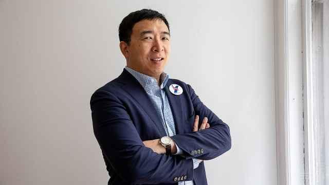 美华裔总统候选人:我将打败川普