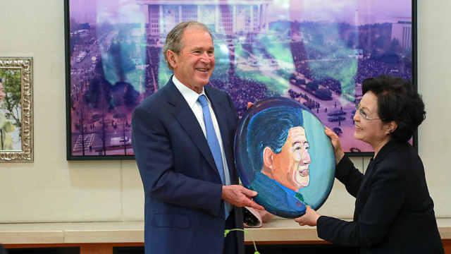 卢武铉逝世10周年,小布什赴韩悼念