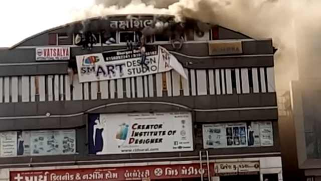 印度培训学校发生火灾,致至少15死