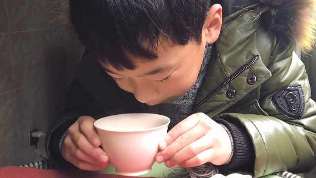 教你5分钟做好一杯焦糖奶茶