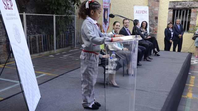 墨西哥城新规:男生可以穿裙子上学