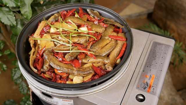 高压锅压泥鳅,肉质松软麻辣鲜香