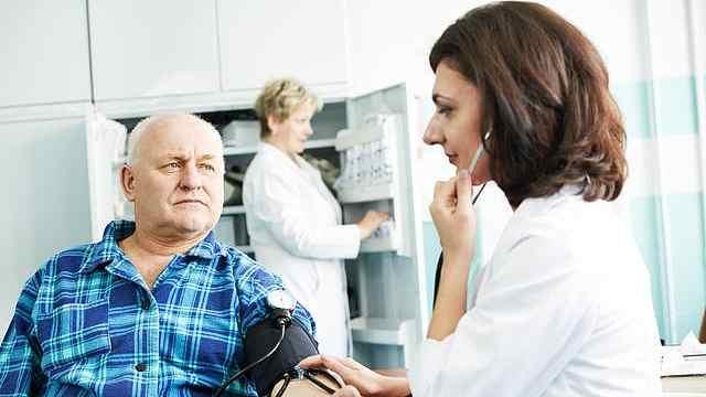 """""""白大衣高血压""""患者更易患心脏病"""