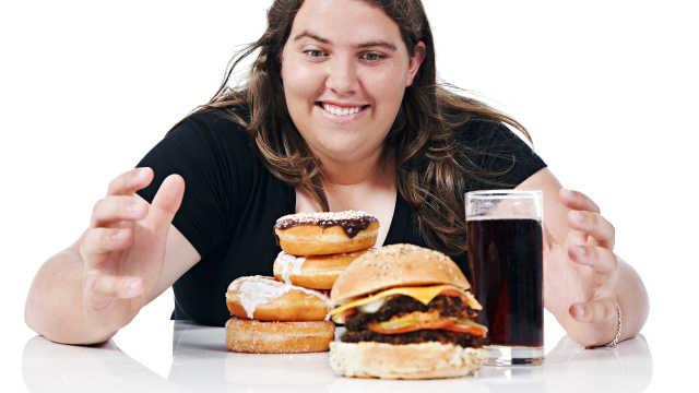 新研究:汉堡可乐正在吞噬你的大脑