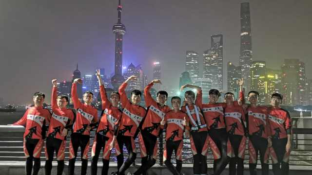 1800km!老师高考后带学生骑到上海
