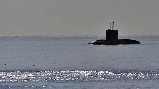 俄科考深潜器发生火灾,14人遇难