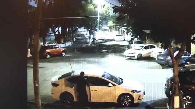 厦门一男子多次拉车门盗窃获刑一年