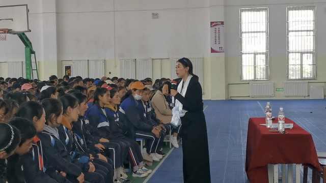 藏区首位女性防艾者:6年陪400患者