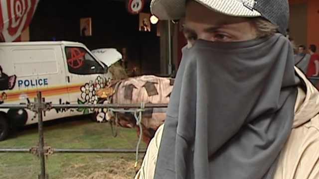 16年前视频揭示艺术家班克西真身?