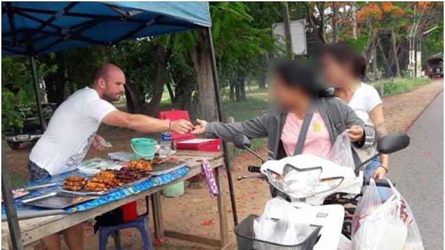 德国通缉犯逃泰国卖烤串,走红被抓