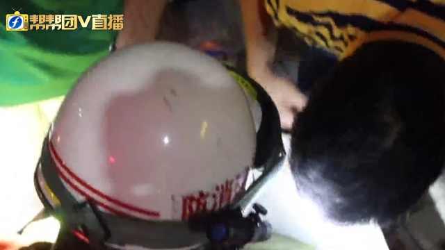 泉州一老人落入井中,消防火速救援